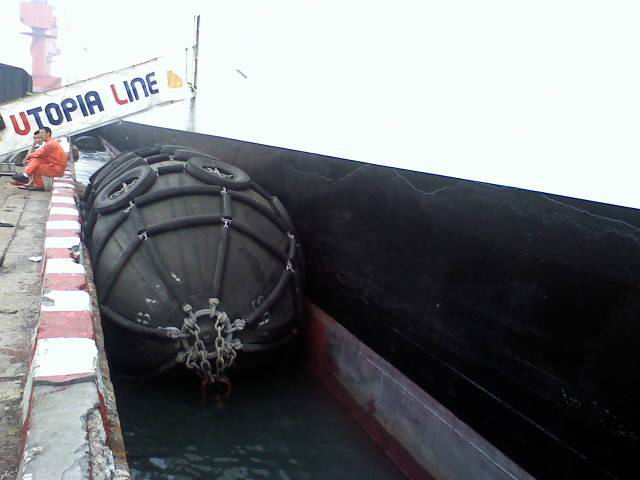 marine pneumatic rubber fenders used for dock and boat ship